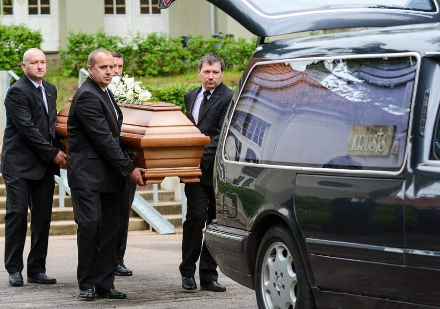Перевозка умерших - фотография