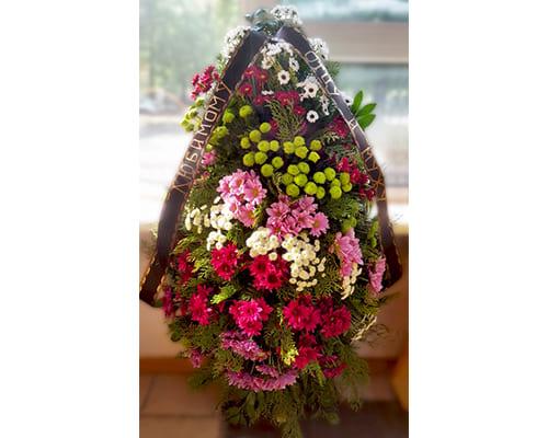 Фото венков из живых цветов - фото №2